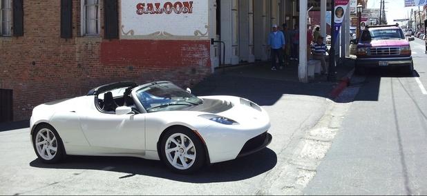 A Tesla outside a Nevada saloon.