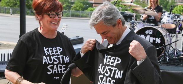 Austin Mayor Steve Adler (right)