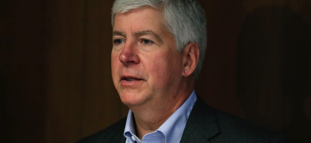 Michigan Gov. Rick Snyder urged the state legislature to pass economic development tax incentives to lure large employers.