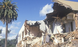 Damage from the 1994 Northridge earthquake in Santa Monica, California