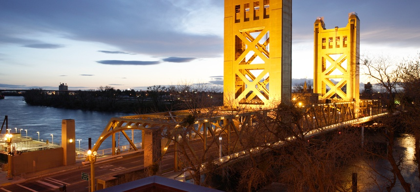 The Tower Bridge links Sacramento with West Sacramento.