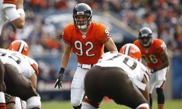 Chicago Bears linebacker Hunter Hillenmeyer (92) is seen in action against the Cleveland Browns during an NFL football game in Chicago, Sunday, Nov. 1, 2009.