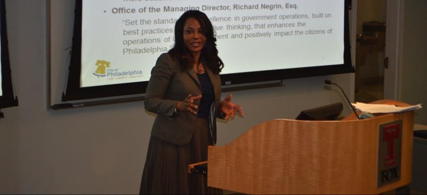 Rosetta Lue teaching a social media class in March 2014 at Temple University.