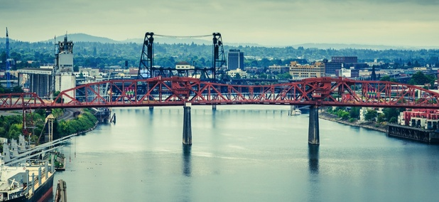 The Willamette River flows through Portland, Oregon.