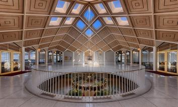 The rotunda in the North Carolina state legislative building.