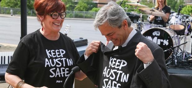 Austin Mayor Steve Adler (right)