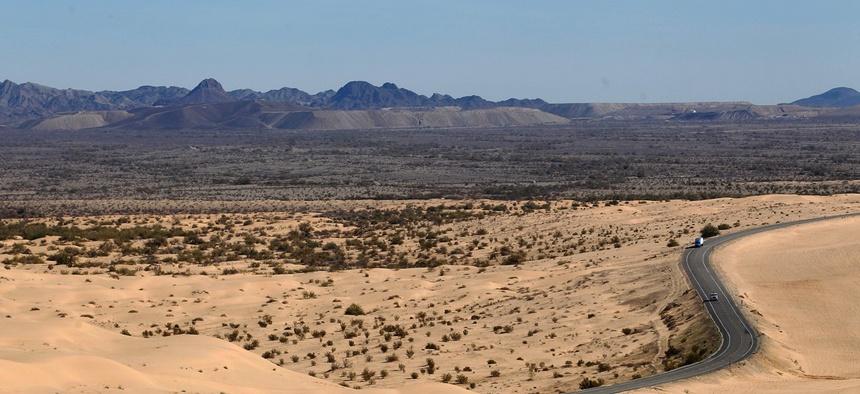 A mountain range al, ... ]