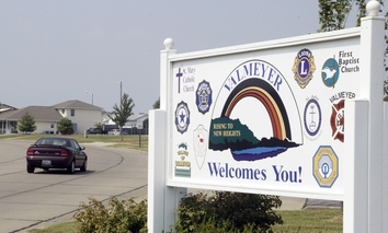 A welcome sign in Valmeyer, Illinois, which was relocated after the Great Flood of 1993.