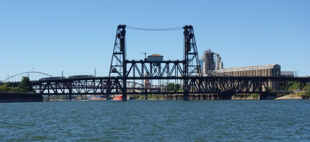 The 106-year-old Steel Bridge in Portland, Oregon, is a chokepoint for the TriMet MAX light-rail system.