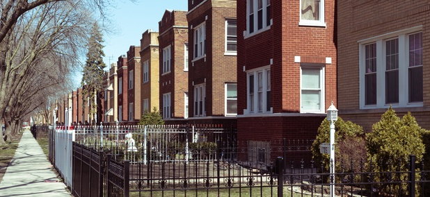 People Who Live in Violent Neighborhoods Are More Likely to Be Lonely