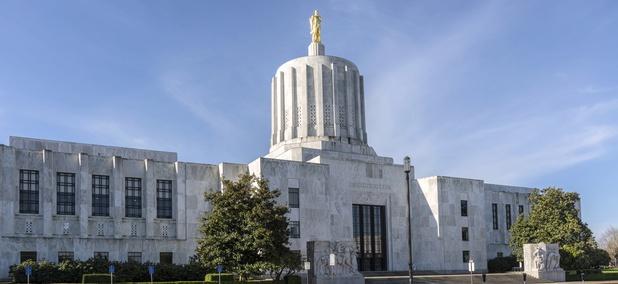 Effort to Recall Oregon Governor Fails to Gain Enough Signatures